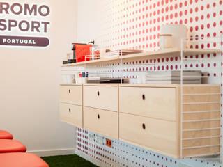 Zona de Break Escritórios escandinavos por Rima Design Escandinavo