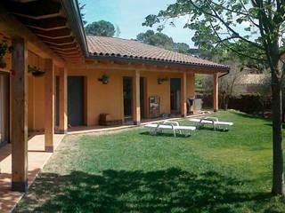 CASA UNIFAMILIAR AÏLLADA - ESTRUCTURA DE FUSTA de FARRIOL i COL.LABORADORS arquitectes