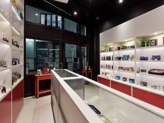 Loja Boutique - Galeria Chaves Estúdio Dozi Lojas & Imóveis comerciais modernos