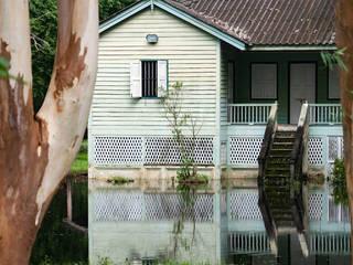 Apex Disaster Management, Inc. Rumah Gaya Country