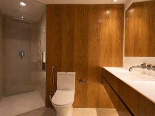 tea.ve Modern style bathrooms Wood Wood effect