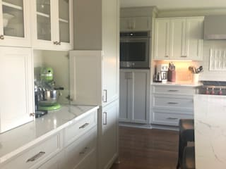 tea.ve Built-in kitchens Solid Wood Grey