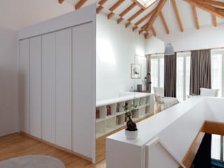 Vítor Leal Barros Architecture Minimalist style dressing rooms