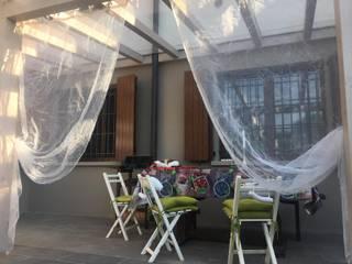 Terrazza in Legno Balcone, Veranda & Terrazza in stile classico di MENGON LEGNAMI SRL Classico