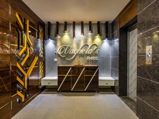 Luxurious 4BHK Interiors at Gala Marvella Modern corridor, hallway & stairs by HGCG Architects Modern
