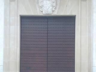 Barniz Antioxido Mora:  de estilo colonial de INDUSTRIAL MORA DE BARNICES, S.L., Colonial