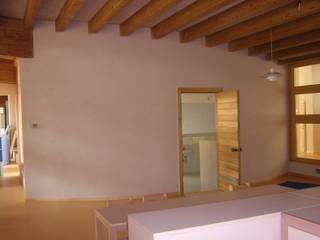Scuola materna San Prospero, Imola Pareti & Pavimenti in stile classico di Ton Gruppe® Classico
