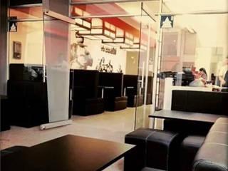 Ubicacion mesas y sillas de Nacad Arquitectos