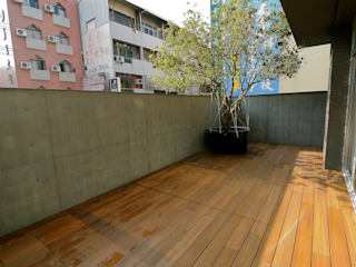Balcones y terrazas asiáticos de 新綠境實業有限公司 Asiático