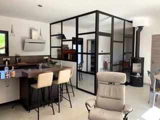 Agencement d'un salon et d'une chambre par ILLU DESIGN ARCHITECTURE