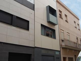 Vivienda unifamiliar en casco histórico de AMSA Arquitectura SLP Moderno