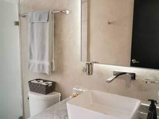 Minimalist style bathroom by Taller Veinte Minimalist