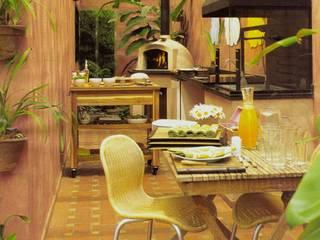 Eclectic style kitchen by Eduardo Novaes Arquitetura e Urbanismo Ltda. Eclectic