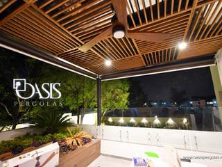 Oasis Pérgolas minimalist style balcony, porch & terrace