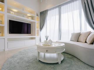 RiverSail Penthouse Classic style living room by Mr Shopper Studio Pte Ltd Classic