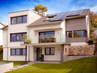 Casas modernas por Gira, Giersiepen GmbH & Co. KG Moderno