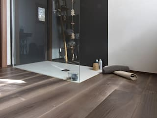 Parquet - Bathroom and Kid's Room Banheiros modernos por Cadorin Group Srl - Italian craftsmanship Wood flooring and Coverings Moderno