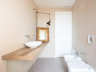 Minimalist style bathrooms by Facile Ristrutturare Minimalist