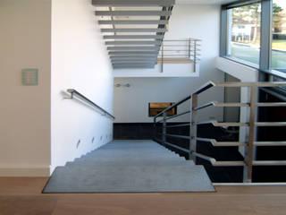 Treppen aus Beton von material raum form Modern
