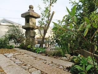 Asian style gardens by 株式会社グリーンテリア Asian
