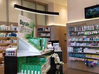 Farmacia Centrale - Alessandria Negozi & Locali commerciali in stile industrial di LSD s.r.l. Industrial