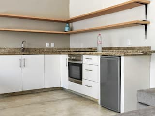 Modern Kitchen by Carlos Alberto Modern
