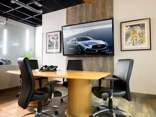 Diseño de Agencia de autos y oficinas Modena Arquitectura, S.A. de C.V. Estudios y despachos industriales