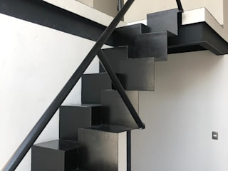 c05 herrería Escaleras Metal Negro