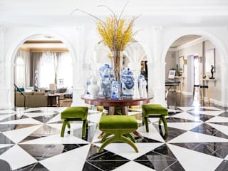2018 Showcase House of Design – Grand Foyer Classic style living room by Amy Peltier Interior Design & Home Classic