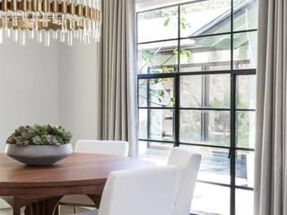 Salas de jantar modernas por Amy Peltier Interior Design & Home Moderno