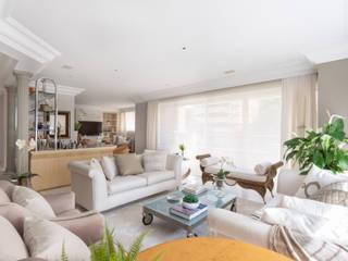 Projeto fotografia apartamento com estilo clássico em Aclimação Salas de estar clássicas por Sébastien Abramin Fotógrafo de arquitetura Clássico