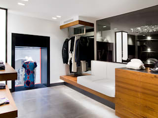 MANUEL TORRES DESIGN Offices & stores Black