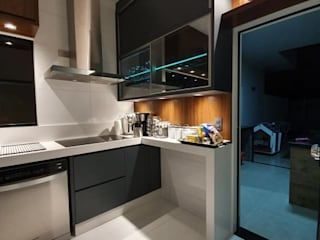 в современный. Автор – Monteiro arquitetura e interiores, Модерн