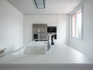 Arquiteknum Consultores SL Built-in kitchens