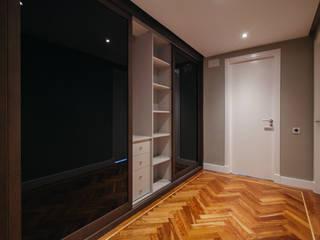 Arquiteknum Consultores SL Modern Dressing Room