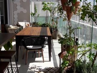 varandas contemporânea gourmet paula galbi paisagismo Varandas, alpendres e terraços modernos Madeira Bege