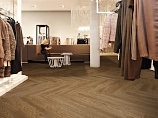 Floorwell Classic style dressing rooms Wood effect