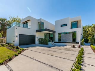 Marbella Style Houses In The English Countryside Rumah Modern Oleh Abodde Luxury Homes Modern