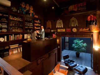 コレクターズハウス モダンデザインの リビング の murase mitsuru atelier モダン