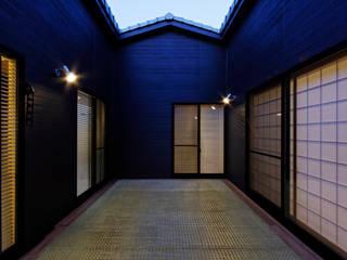 ロの家 アジア風 庭 の murase mitsuru atelier 和風