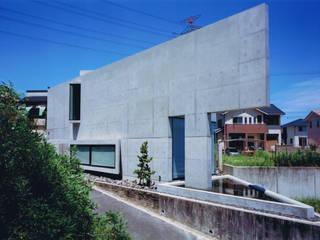 三角敷地の家 モダンな 家 の murase mitsuru atelier モダン