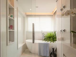 Bianka Mugnatto Design de Interiores Kamar Mandi Modern Marmer White