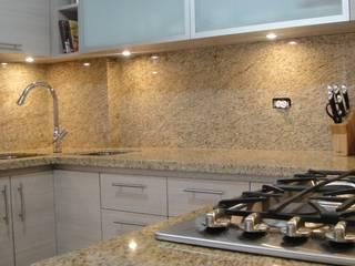 Diseño de Cocinas Modernas Cocinas de estilo minimalista de DM ITALIAN STYLE Minimalista Granito