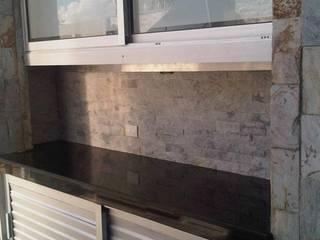 CelyGarciArquitectos Balcones y terrazas de estilo moderno Aluminio/Cinc Metálico/Plateado