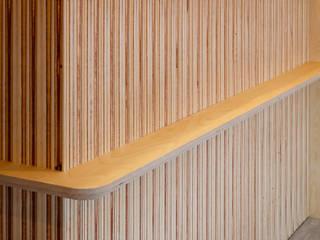 設計事務所アーキプレイス Office spaces & stores Kayu Lapis Pink