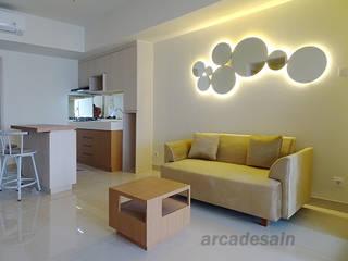 Desain Interior Apartemen Orange County Lippo Cikarang tipe 1 bedroom 52m2 Arcadesain Ruang Keluarga Gaya Skandinavia Kayu Lapis Multicolored