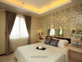 Desain Interior Apartemen Royal Mediterania Garden tipe 1 bedroom 33 m2 Arcadesain Kamar Tidur Klasik Kayu Lapis White