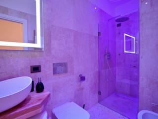 Baños modernos de ROMAZZINO C.S. SERVICE SRL Moderno