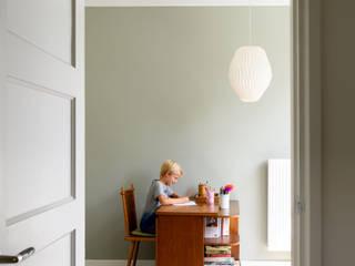 Salones de estilo moderno de Studio Groen+Schild Moderno