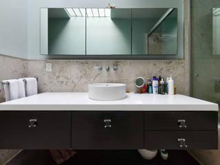 Casa en San Angel, CDMX Baños modernos de ArquiFoto Moderno